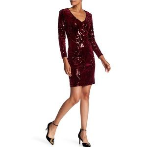 NWOT Alexia Admor Long Sleeve Velour Sequin Dress